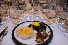 Washington Riesling paired with seared scallops with crispy leeks, rice au gratin, and braised kale